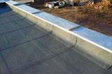 Plocha střecha s atikou
